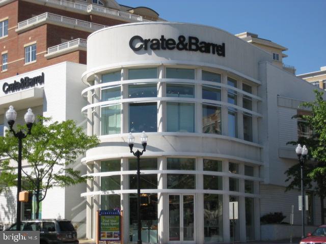 Crate and Barrel... - 1801 KEY BLVD #10-506, ARLINGTON