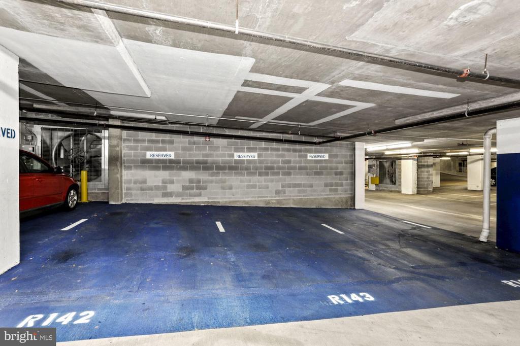 Personal parking space. - 1205 N GARFIELD ST #608, ARLINGTON