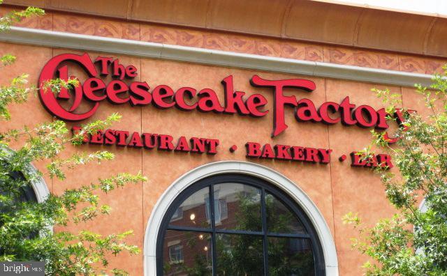 Cheesecake Factory, and... - 1801 KEY BLVD #10-506, ARLINGTON