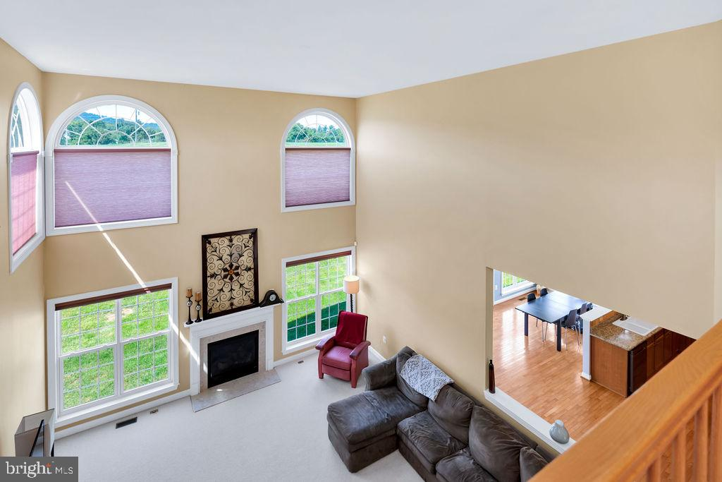 Family Room View From Above - 14079 MERLOT LN, PURCELLVILLE