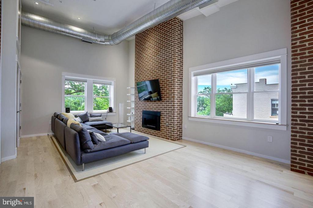 Penthouse Main Level - 1620 15TH ST NW, WASHINGTON