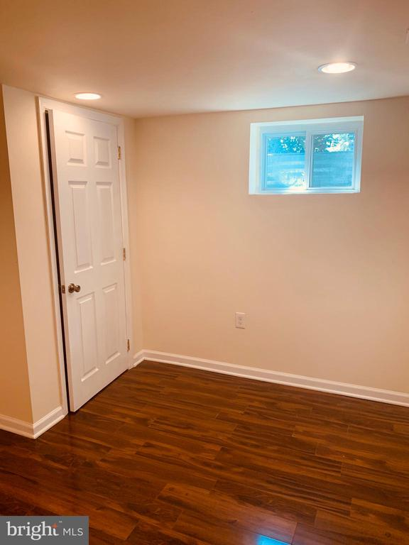 Room 1 in Basement - 21084 POTOMAC VIEW RD, STERLING