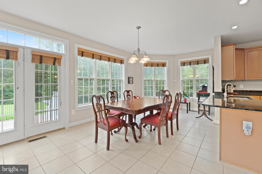 BREAKFAST AREA - 108 HIGH RIDGE DR, STAFFORD