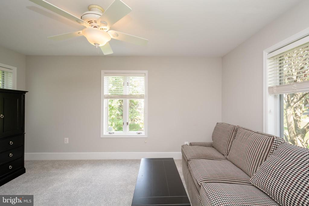 Sunny & Bright Additional  Wing with New Carpet - 12984 PINTAIL RD, WOODBRIDGE