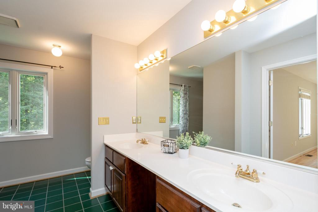 Owners Bath offers lots of light and  treed views - 12984 PINTAIL RD, WOODBRIDGE