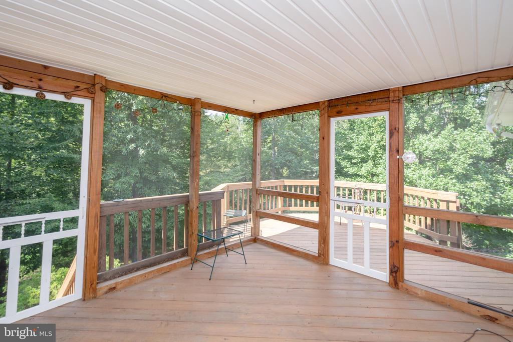 Screened in Deck Addition for relaxing by the Lake - 12984 PINTAIL RD, WOODBRIDGE