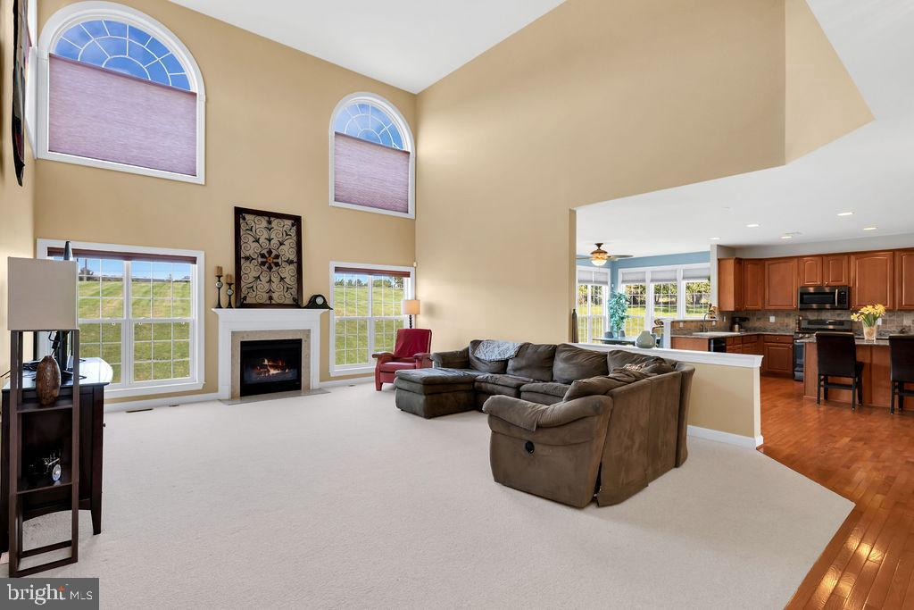 Two Story Family Room - 14079 MERLOT LN, PURCELLVILLE