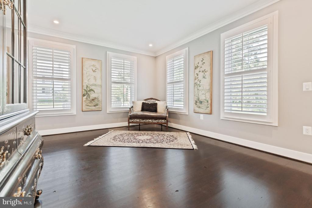 Plenty of Natural Light in the Formal Living Room - 132 W VIRGINIA AVE, HAMILTON