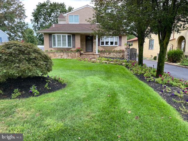 Single Family Homes 為 出售 在 Hamilton, 新澤西州 08690 美國