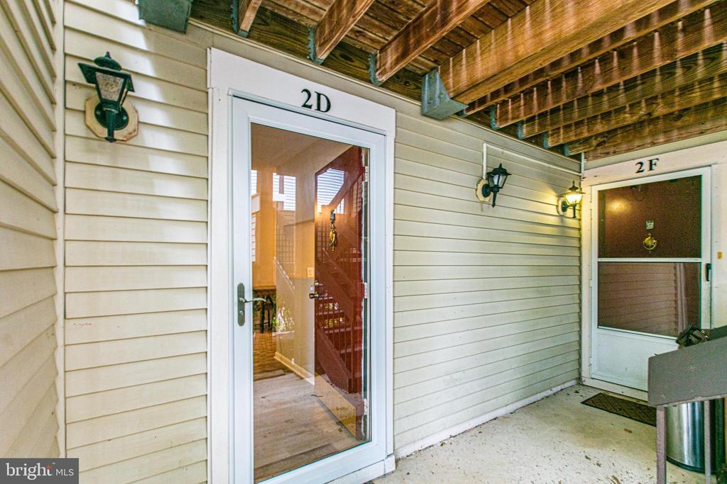 Main level entrance - 10340 REIN COMMONS CT #D, BURKE