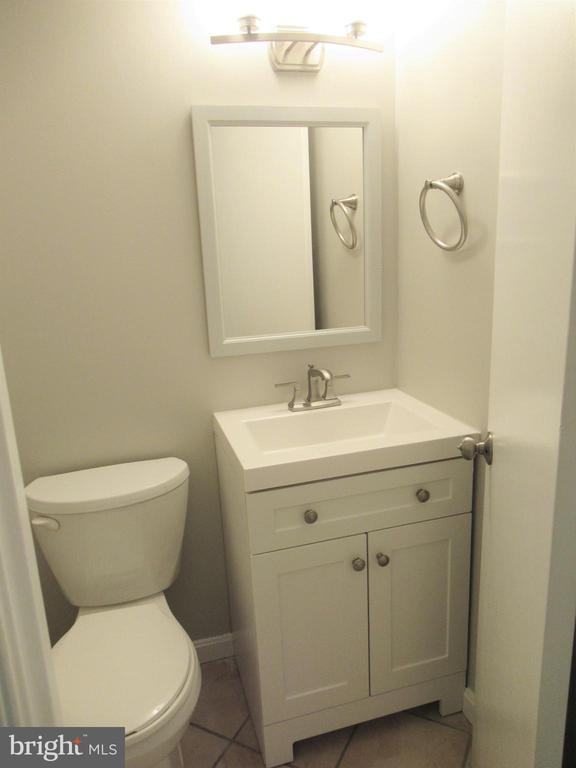 Main Level Half Bath - 20 S ABINGDON ST, ARLINGTON
