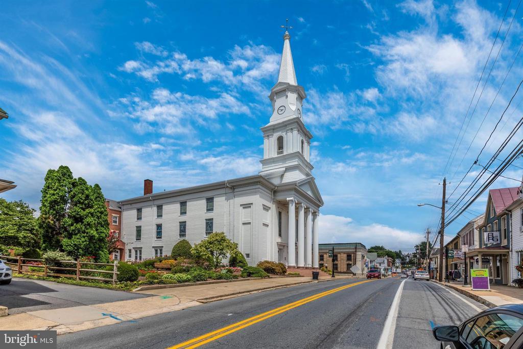 Historic Downtown Middletown - 406 GLENBROOK DR, MIDDLETOWN
