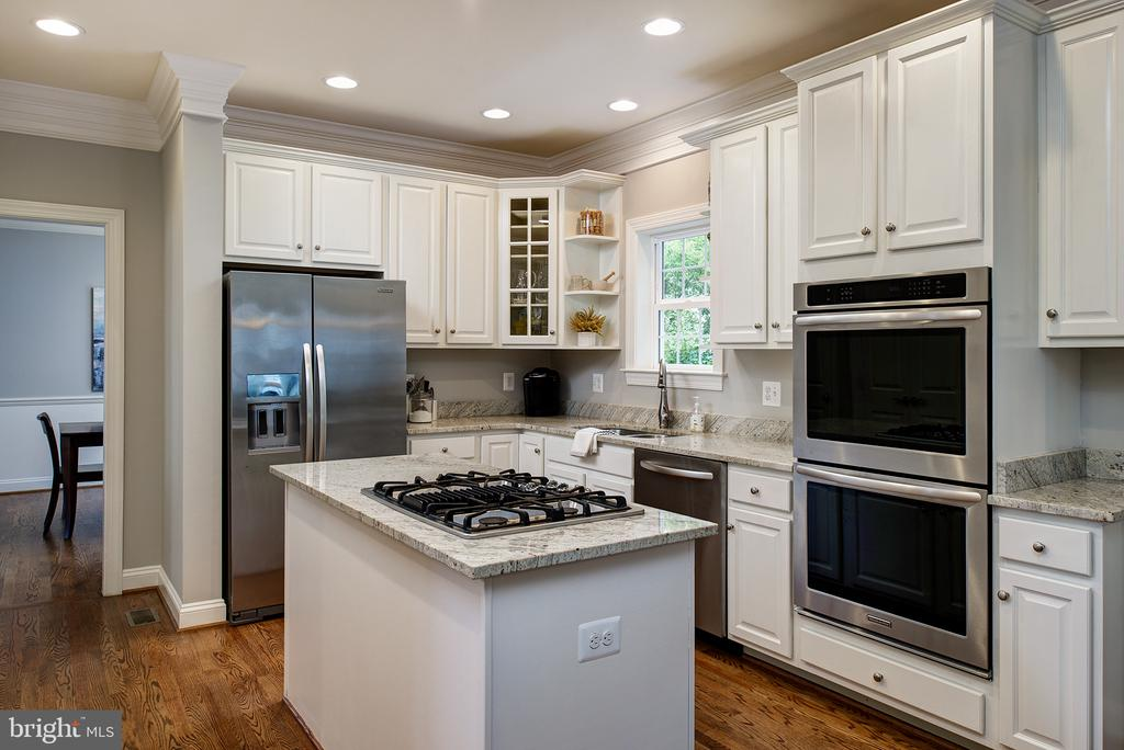 Gourmet SS Appliances, hardwood flooring... - 21144 WALKLEY HILL PL, ASHBURN