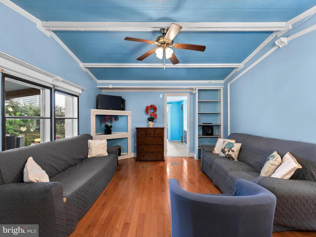 Living Room - 7805 W HILL RD, MOUNT AIRY