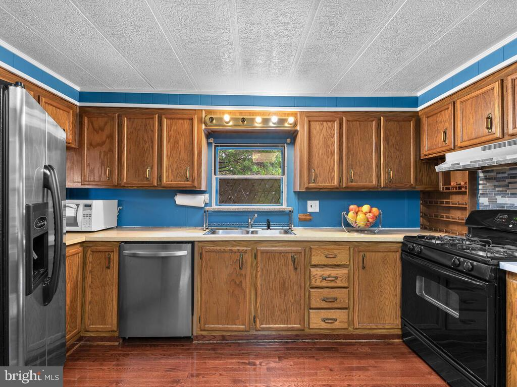 Kitchen - 7805 W HILL RD, MOUNT AIRY
