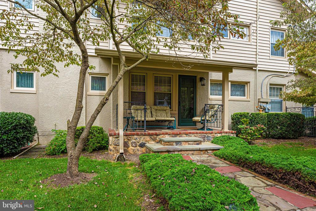 Exterior Side Porch - 316 W COLLEGE TER, FREDERICK