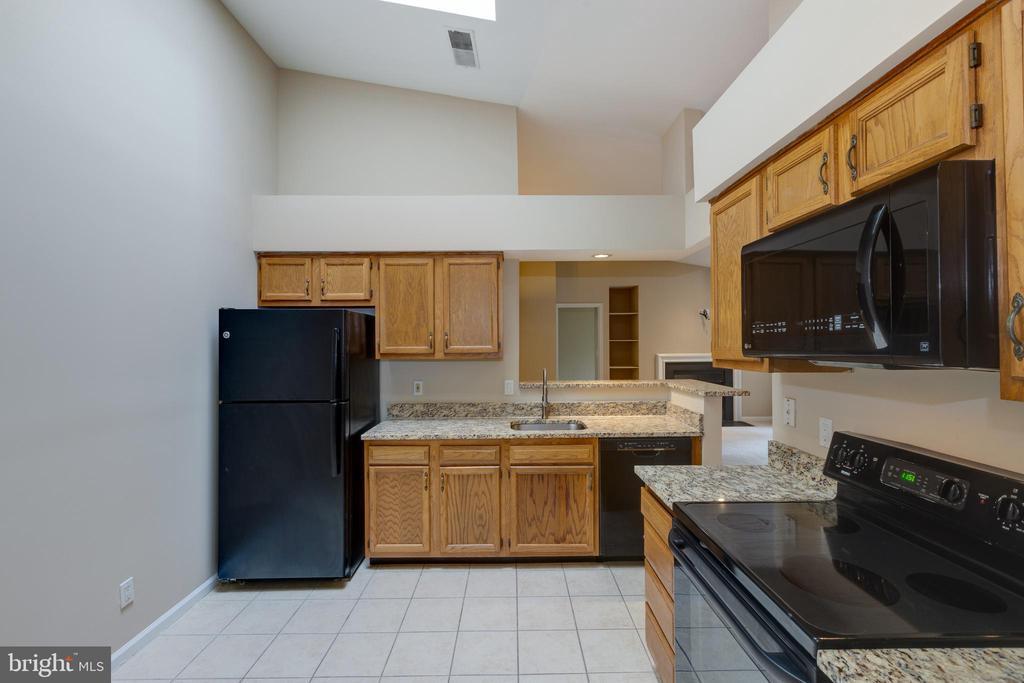 Kitchen - 7502 ASHBY LN #K, ALEXANDRIA