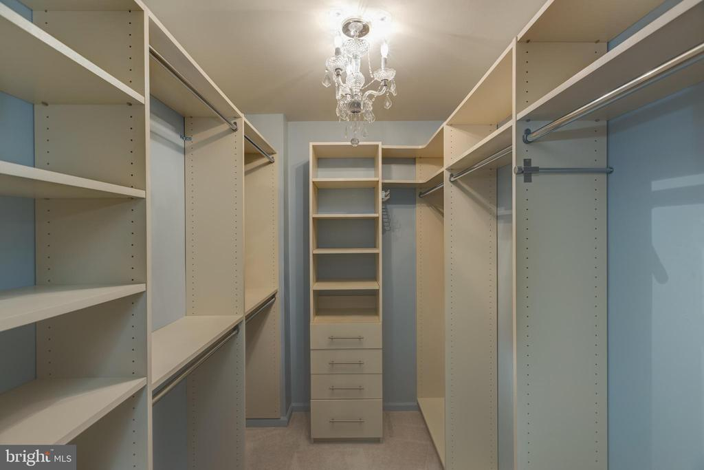 Custom built out master closet - 7502 ASHBY LN #K, ALEXANDRIA