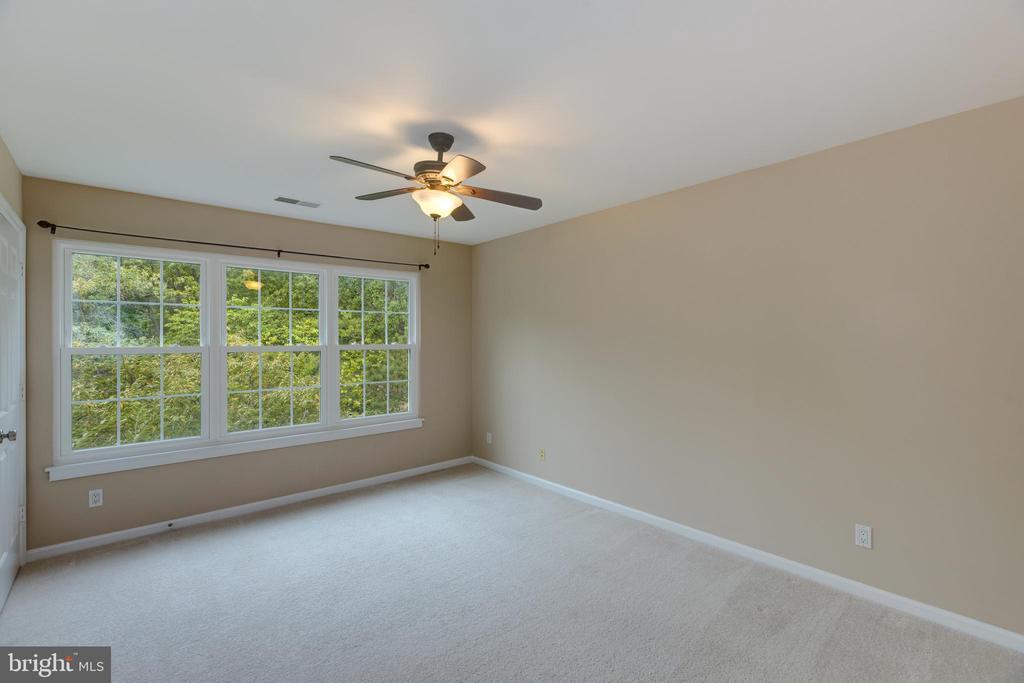 Bedroom 2 off of balcony. - 7502 ASHBY LN #K, ALEXANDRIA