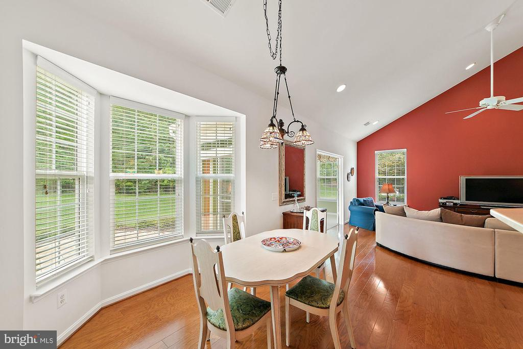 BReakfast nook with bay window - 3959 GREAT HARVEST CT, DUMFRIES