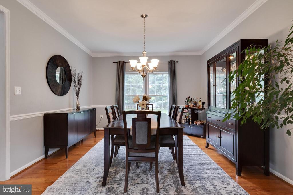 Formal dining room - 802 SE TINA DR SE, LEESBURG