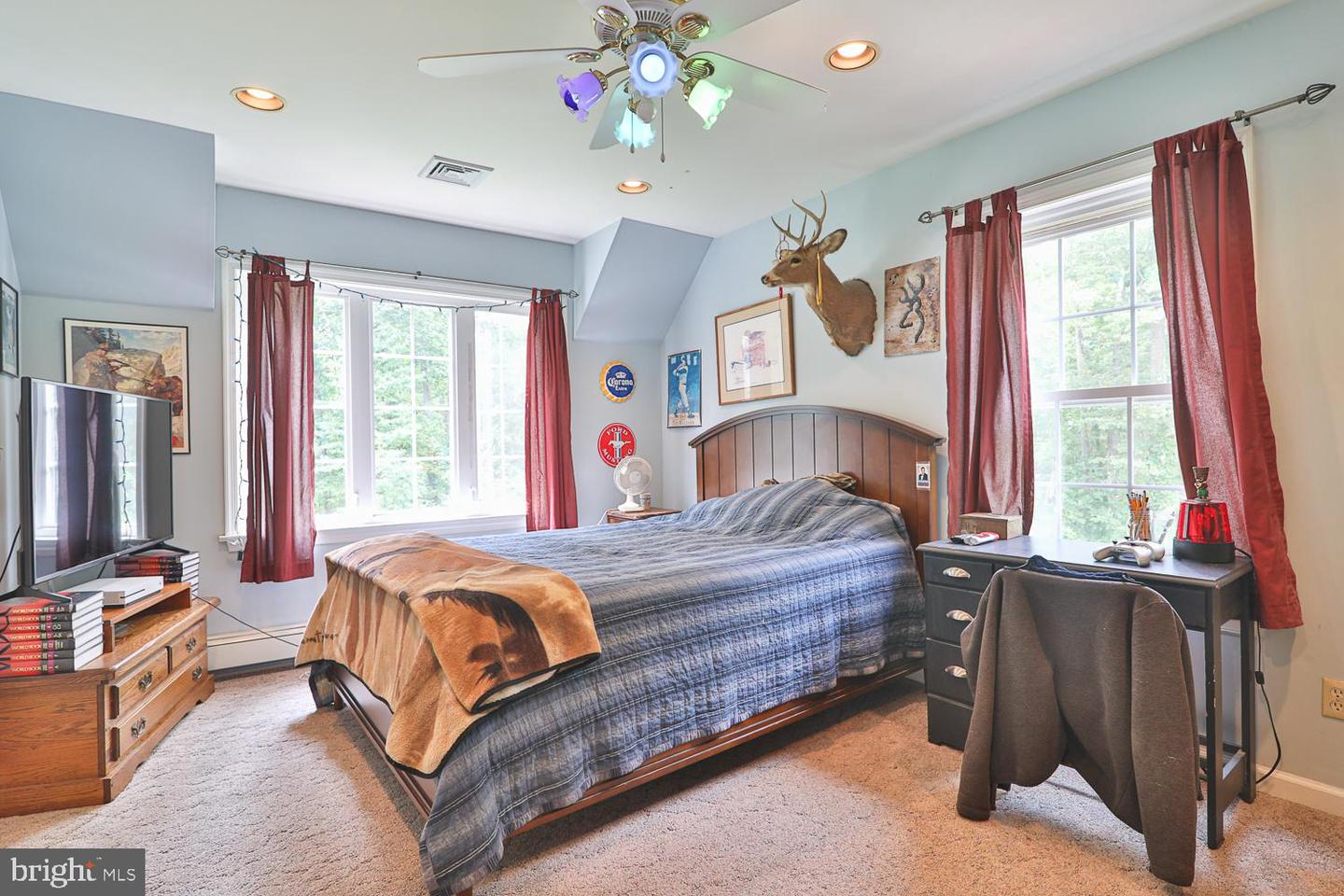 Additional photo for property listing at  Frenchtown, New Jersey 08825 United States