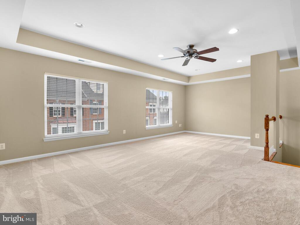 Upper Level Recreation Room - 22950 FANSHAW SQ, BRAMBLETON