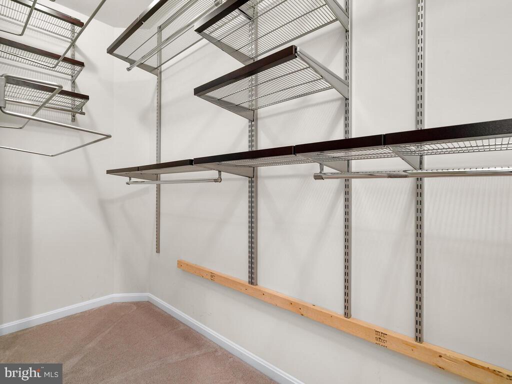 Large Owner's Closet - 22950 FANSHAW SQ, BRAMBLETON