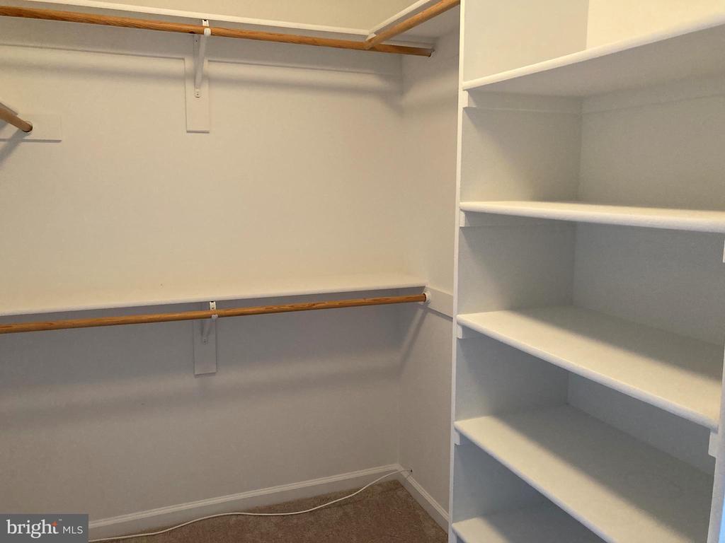 Master Bedroom - Walk in Closet - 8 BASKET CT, STAFFORD