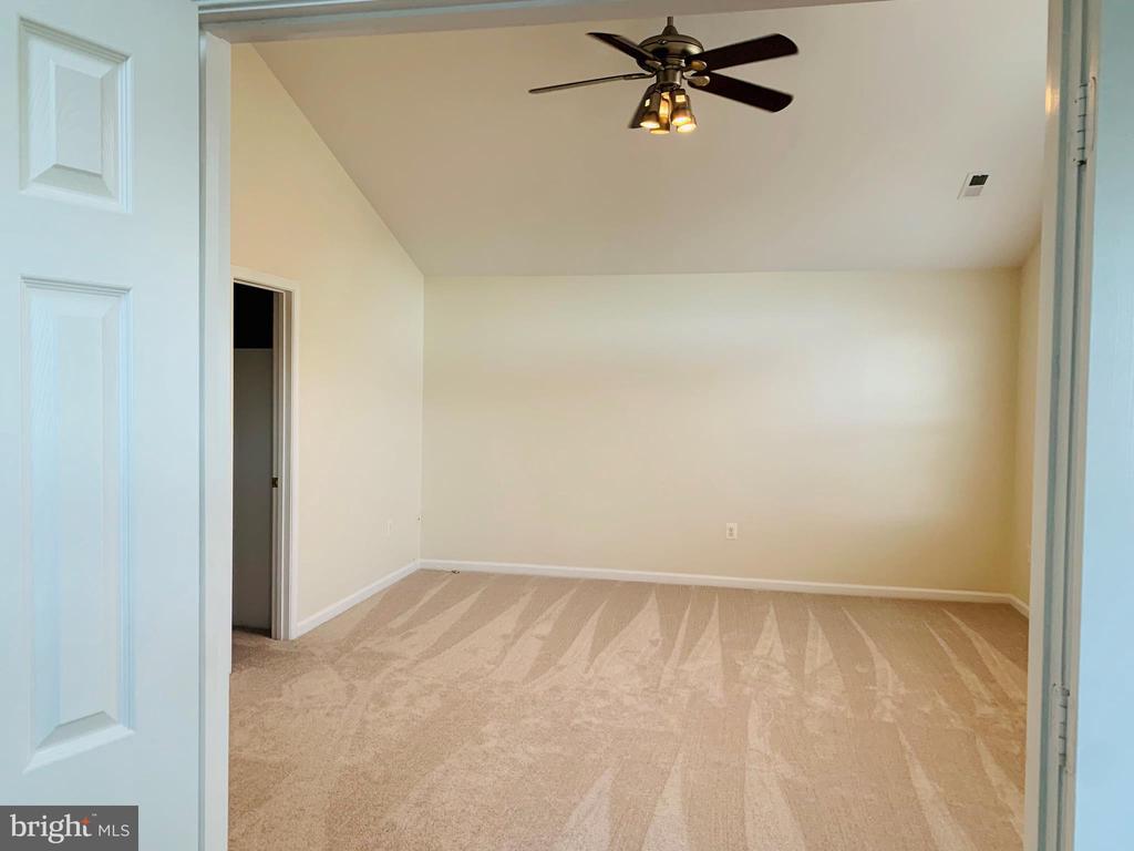 Master Bedroom - 8 BASKET CT, STAFFORD