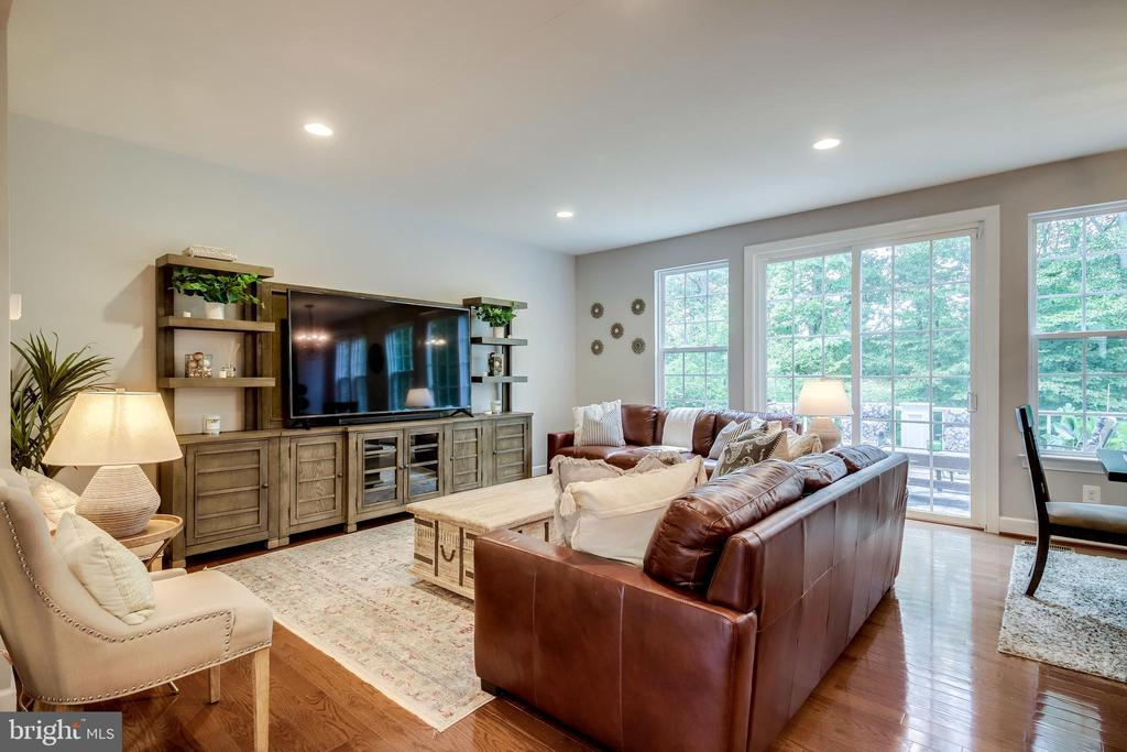 - 20287 CENTER BROOK SQ, STERLING