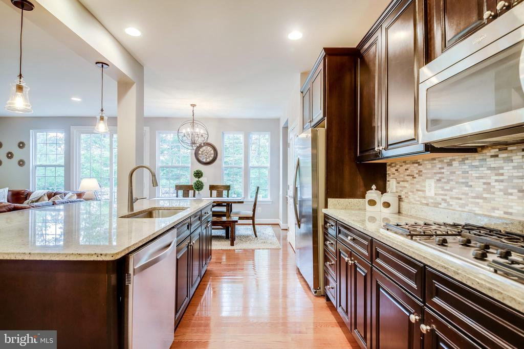 Perfect for any chef &  entertaining - 20287 CENTER BROOK SQ, STERLING