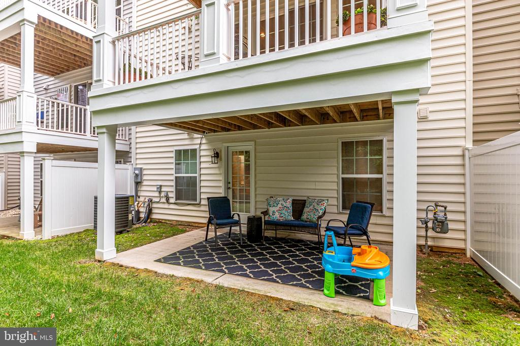 Private patio - 20287 CENTER BROOK SQ, STERLING
