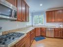 natural gas cooktop - 16496 CHATTANOOGA LN, WOODBRIDGE