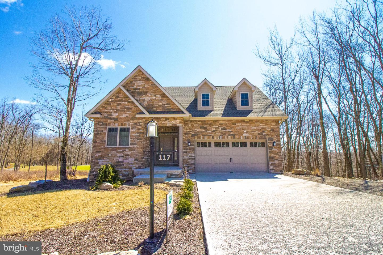 Single Family Homes pour l Vente à Hazle Township, Pennsylvanie 18202 États-Unis