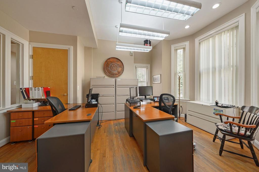 OFFICE SUITE - 1314 19TH ST NW, WASHINGTON