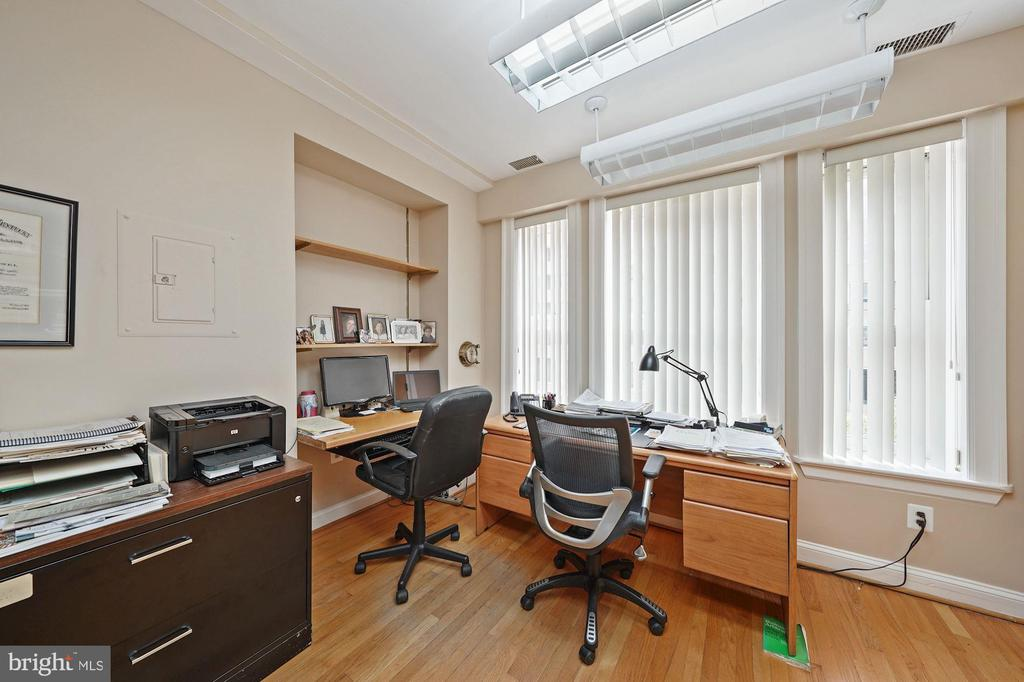 LARGE OFFICE - 1314 19TH ST NW, WASHINGTON