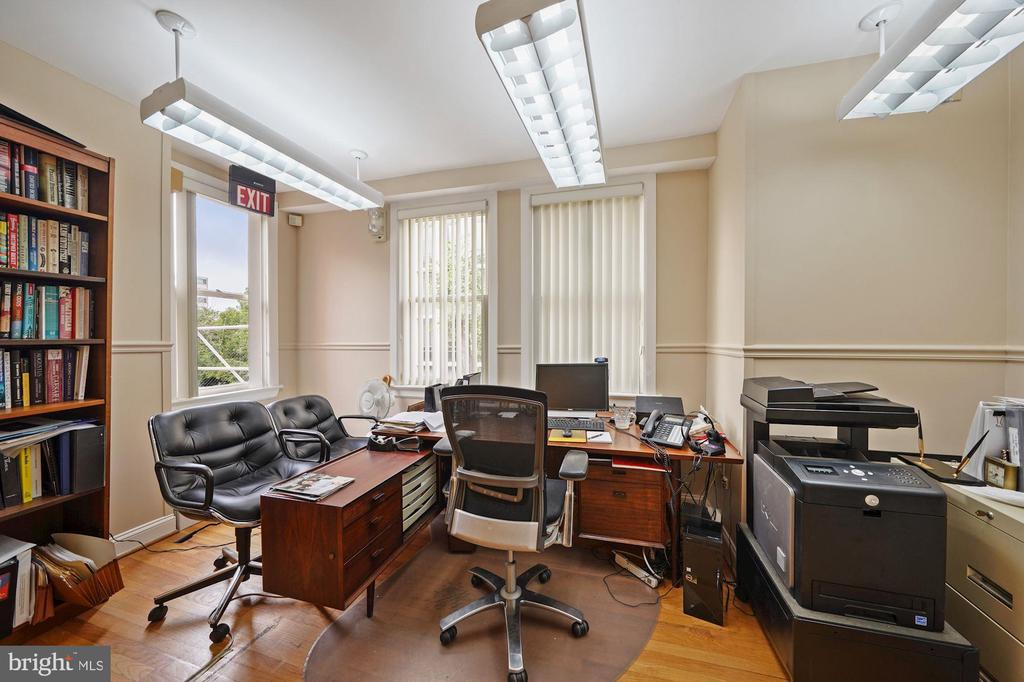 LARGE OFFICE SPACE - 1314 19TH ST NW, WASHINGTON