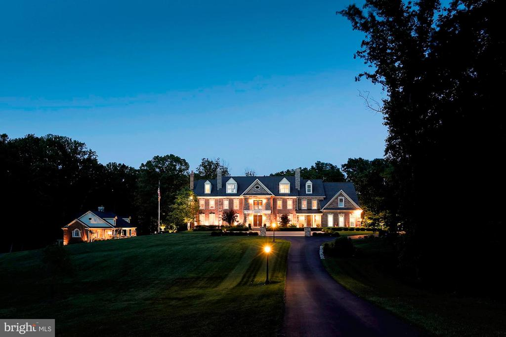Great Gatsby Retreat in Historic Clifton - 8225 WOLF RUN SHOALS RD, CLIFTON