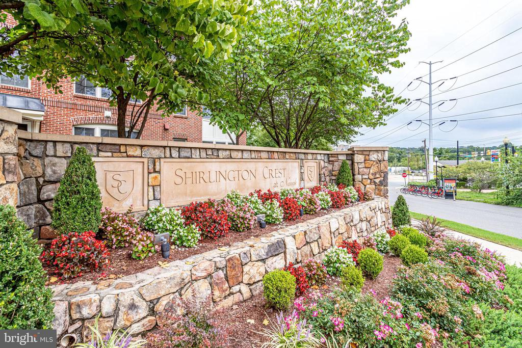 Located in Highly Desirable Shirlington Crest - 2618 S KENMORE CT, ARLINGTON