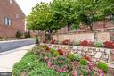 Wonderful Community Living! - 2618 S KENMORE CT, ARLINGTON