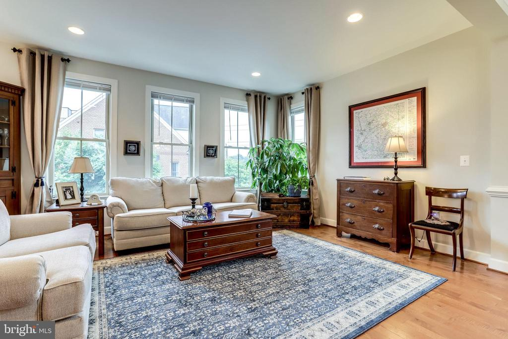 Living Room - 2618 S KENMORE CT, ARLINGTON