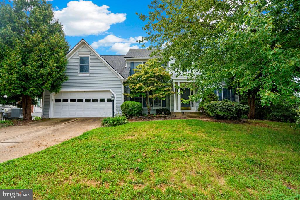 - 43886 CHELTENHAM CIR, ASHBURN