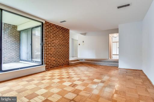 2107 WALSH VIEW TER #202