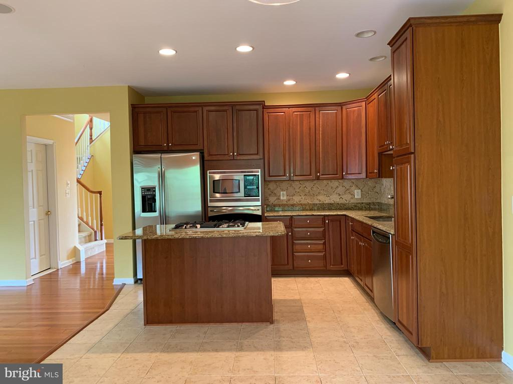 Kitchen - 25575 AMERICA SQ, CHANTILLY