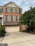- 25575 AMERICA SQ, CHANTILLY