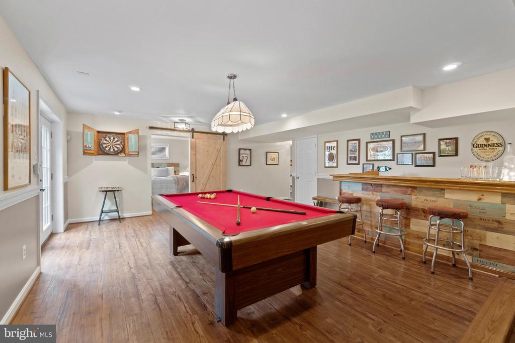 Lower level recreation area - 46476 MONTGOMERY PL, STERLING