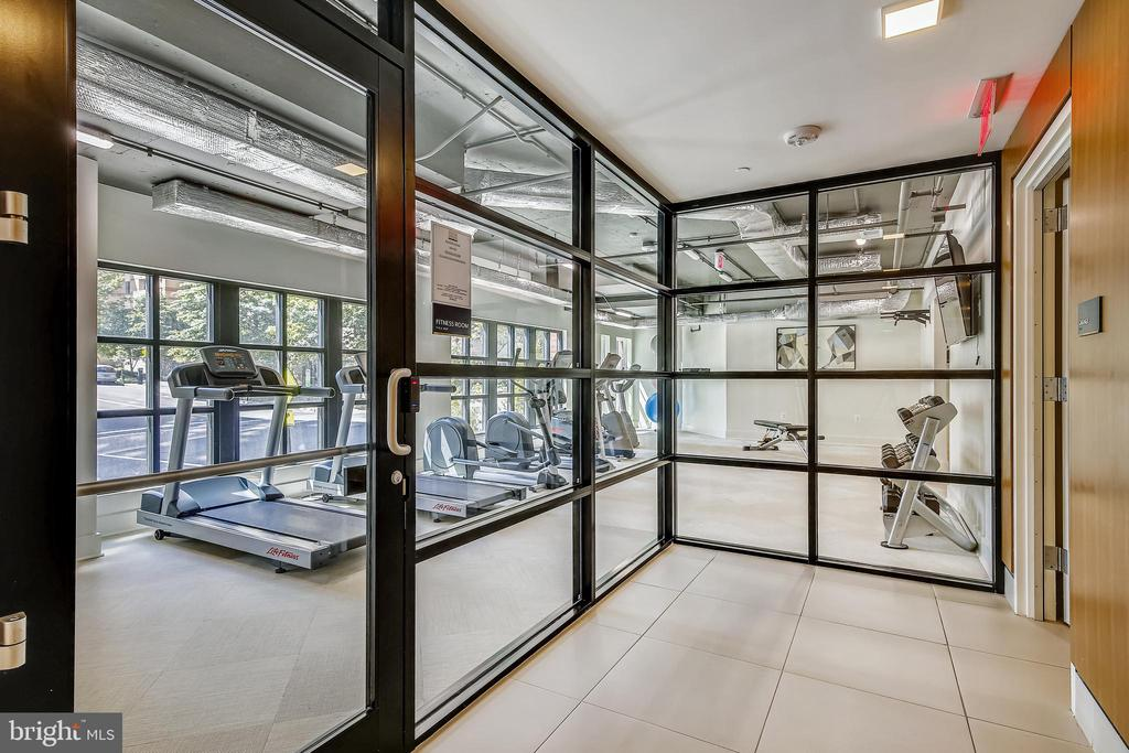 Fitness Room - 1411 KEY BLVD #311, ARLINGTON