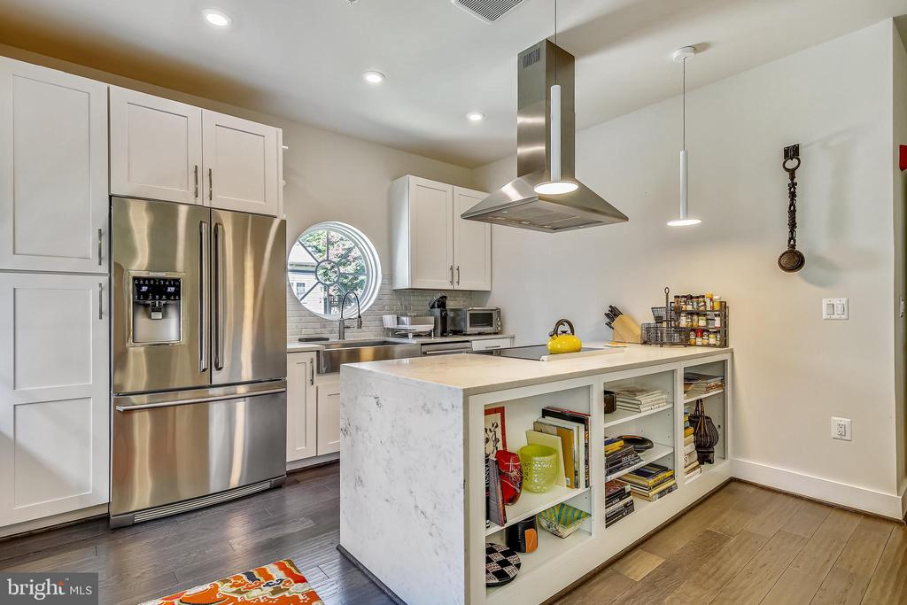 Kitchen - 1411 KEY BLVD #311, ARLINGTON
