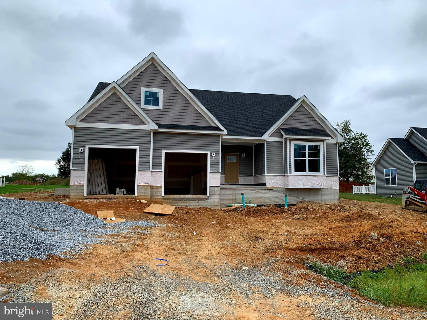 Single Family Homes per Vendita alle ore Kearneysville, Virginia Occidentale 25430 Stati Uniti